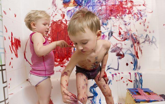 Cum să reacționezi atunci când cei mici sunt năzdrăvani - revistamargot.ro
