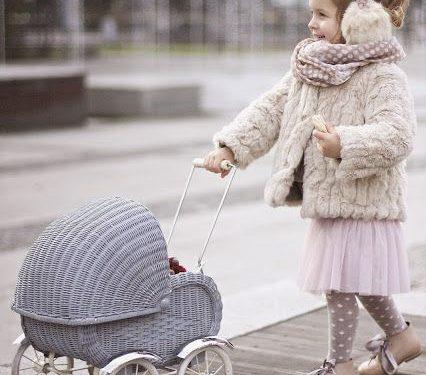 Cum plimbăm bebelușul în timpul iernii, sursa foto: Pinterest - revistamargot.ro