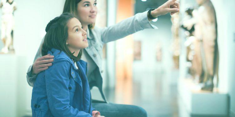 Vrei ca cel mic să te însoțească la muzeu? 8 sfaturi pentru o reușită - revistamargot.ro