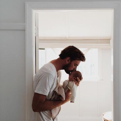 Cum o poate ajuta tăticul pe proaspăta mămică? - revistamargot.ro