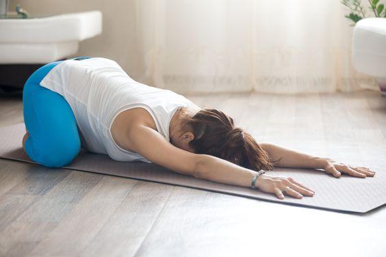 Yoga prenatală, alături de instructorul Carmen Didenco Riza - RevistaMargot.ro