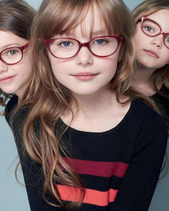 Strabismul și complexul purtării ochelarilor la copii - RevistaMargot.ro