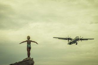 Sfaturi și ponturi pentru zboruri liniștite cu copiii - RevistaMargot.ro