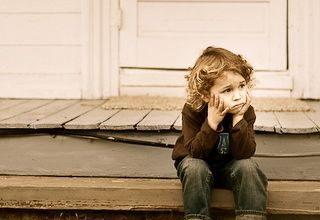 Nevoile speciale ale copiilor care cresc departe de părinţi - RevistaMargot.ro