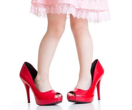 Pantofii cu toc sunt pentru adulți - Mic ghid pentru alegerea pantofilor adecvați pentru copiii voștri - RevistaMargot.ro
