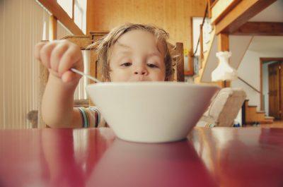 Cum să menții echilibrul florei intestinale a copilului tău - RevistaMargot.ro