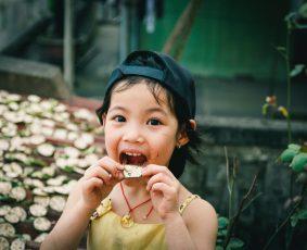 Copilul mănâncă prea încet? - RevistaMargot.ro