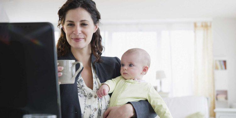 Cum influențează pozitiv copilul o mamă cu serviciu - RevistaMargot.ro