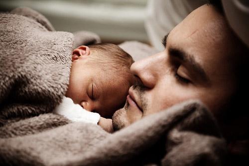 Ce se întâmplă în creierul unui tată, când interacționează cu fiica sa - RevistaMargot.ro