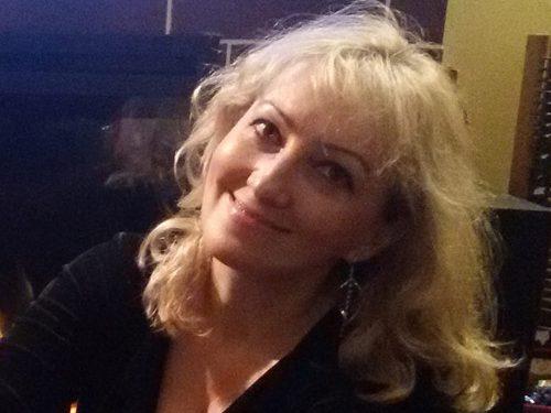 """Interviu cu Mihaela Coravu de la """"Terapia cu povești"""" - RevistaMargot.ro"""
