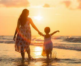 Fraze spuse de părinți care pot submina încrederea copiilor - RevistaMargot.ro