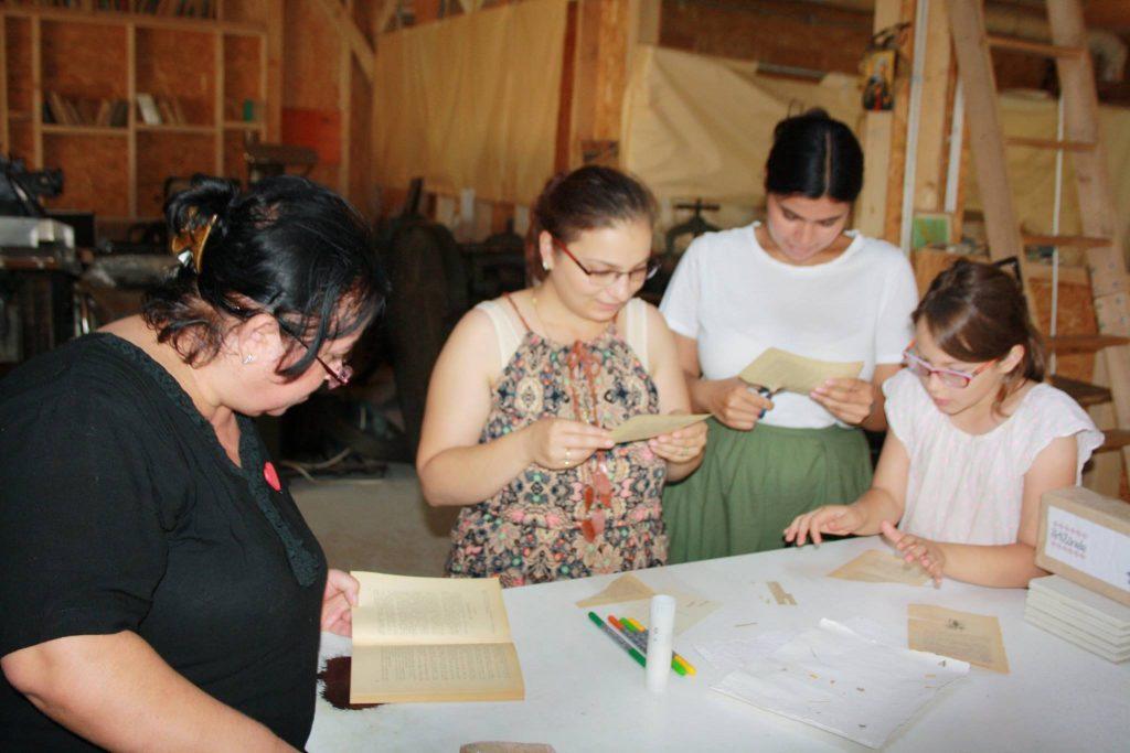 Moara de hârtie - un loc unde copii învață despre meșteșugurile tradiționale - RevistaMargot.ro