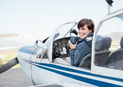 Primul liceu privat de aviaţie din România - RevistaMargot.ro