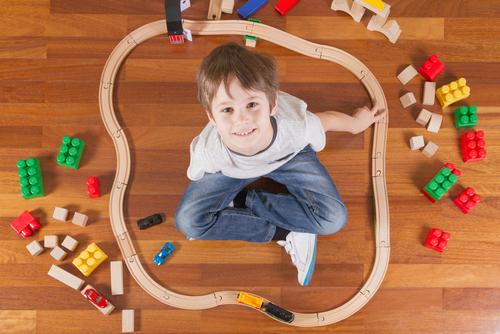 """Dezordinea """"controlată"""" stimulează creativitatea copiilor - RevistaMargot.ro"""