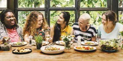 Un alt fel de familie – Mommune - RevistaMargot.ro