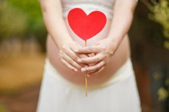 Femeile însărcinate chiar radiază? - studiu - RevistaMargot.ro