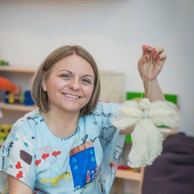 Bianca Mereuță - Omul care aduce cartea - RevistaMargot.ro
