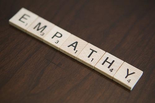 Cum poate empatia să-i învețe pe copii să facă lucrurile corect - RevistaMargot.ro