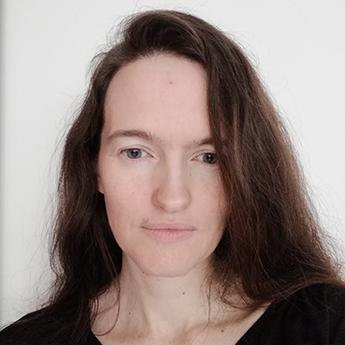 Debbie Stowe - Expat britanic, părinte de București - RevistaMargot.ro