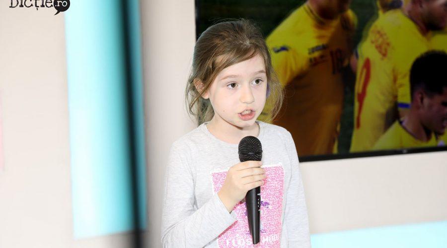 Învățăm și creștem la Școala de Televiziune, cu Carmen Ivanov - RevistaMargot.ro