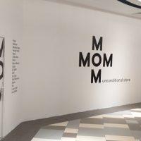 pop-up store caritabil M.O.M.